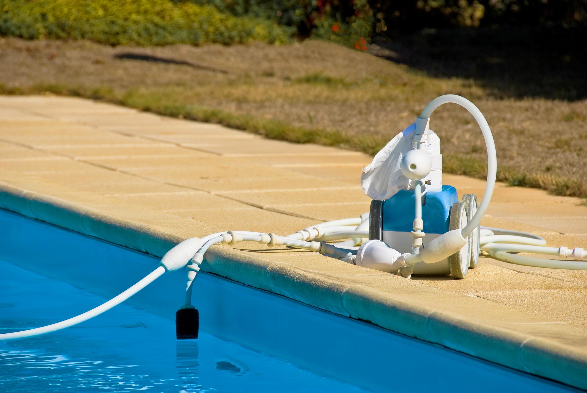רובוט לבריכה
